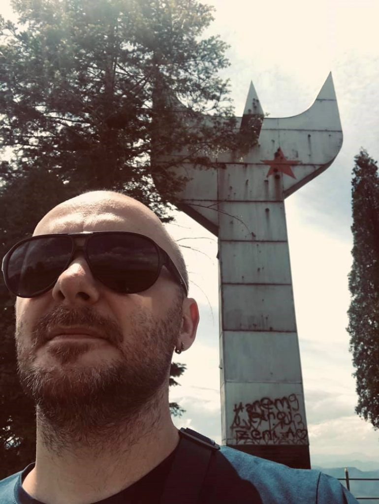 Elmir Isakovi 3D modeler in front of Anti-fascism monument in Zenica-Bosnia and Herzegovina